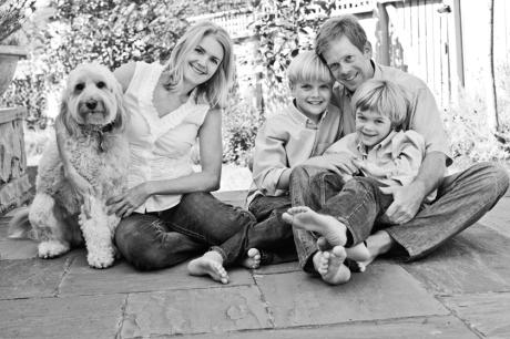 Family portrait session on-location in Victoria.